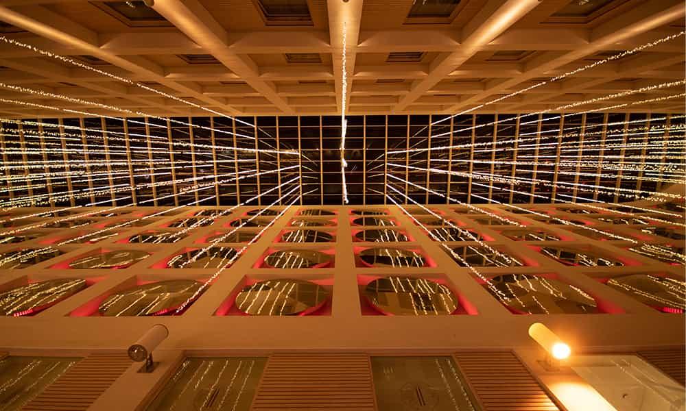 Décorations illuminations de Noel plafon Galerie commercante
