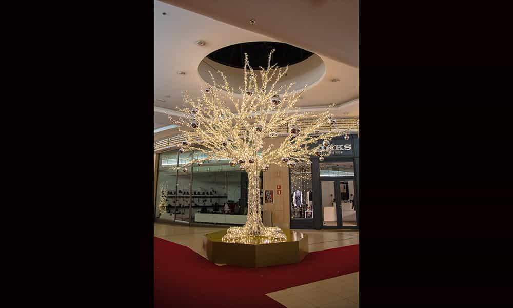 Galerie commercante Structure 3D arbres lumineux