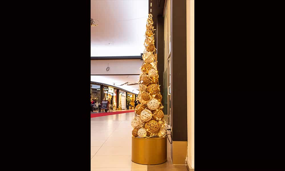 Structure 3D cone sapin illumination pour galeries commercantes