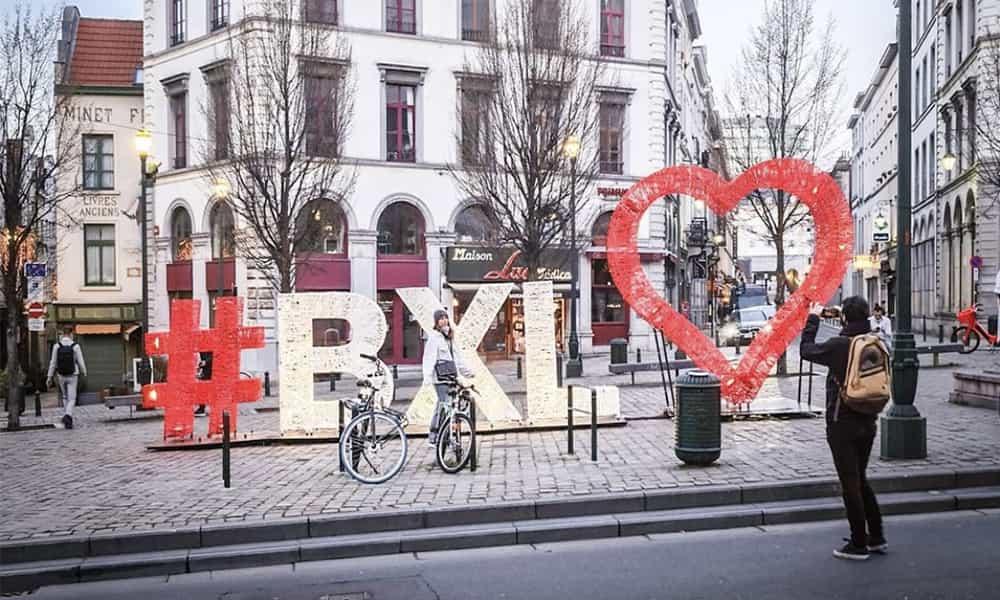Décoration lettres 3D place villes communes