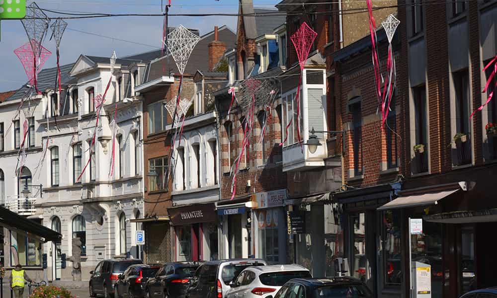 Décoration fibre minérale suspension rues villes et communes